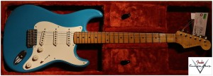 Fender Custom Shop 1956 Duo Tone Stratocaster Taos Turquoise - Relic  CZ522098 010