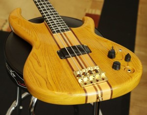 Aria Pro Bass001