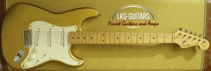Fender CS Strat 1954 Gold 013